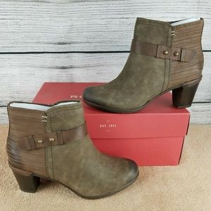 NEW Cobb Hill Leather Buckle Boot Ankle Booties